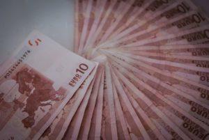 Come fare 10 euro al giorno