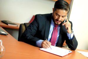 guadagnare 10 mila euro al mese facendo l'avvocato